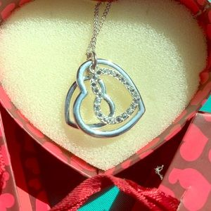 💗 Tri Heart Silver Colored Rhinestone Necklace